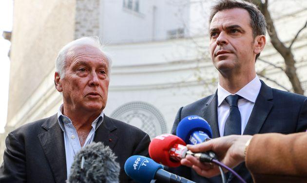 Jean-François Delfraissy, ici avec Olivier Véran le 13 mars à Paris, ne ferme pas...