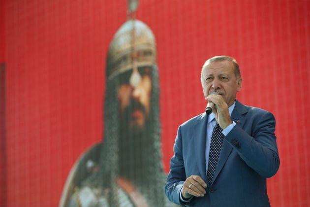 Ο Ερντογάν στην επέτειο...