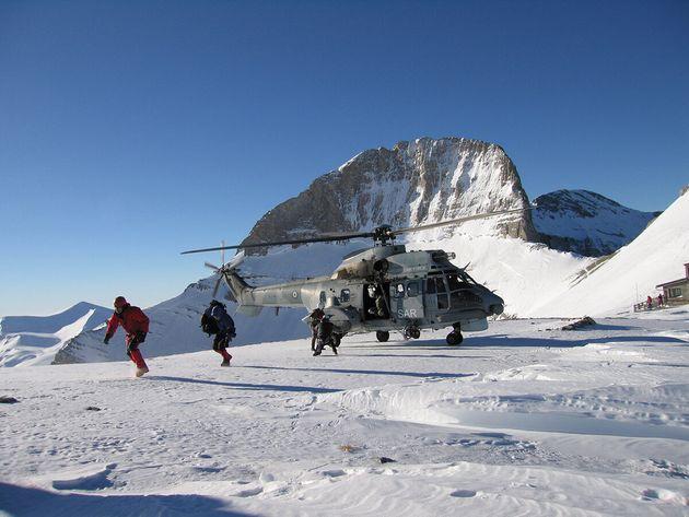 Διακομιδή με ελικόπτερο...