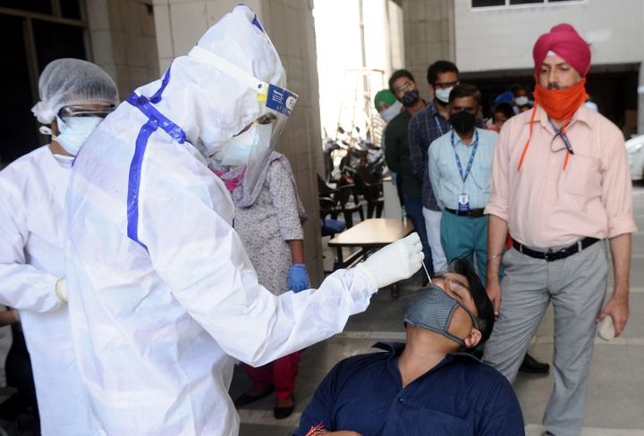Coronavirus India Updates: India recorded the world's biggest single-day spike with more than 3 lakh COVID-19 cases in last 24 hours.