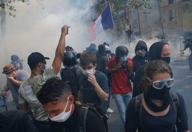 Ταραχές σε διαδήλωση των «κίτρινων γιλέκων» στο