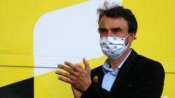 Après avoir critiqué le Tour de France, le maire de Lyon aux côtés du maillot...