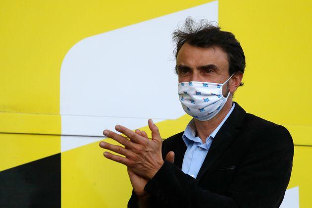 Grégory Doucet, ici assistant à la cérémonie du podium de la 14e étape...
