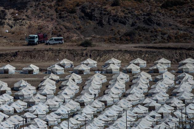Λέσβος: Εντός ημερών η ολοκλήρωση της μετεγκατάστασης των άστεγων προσφύγων - 5 νέα