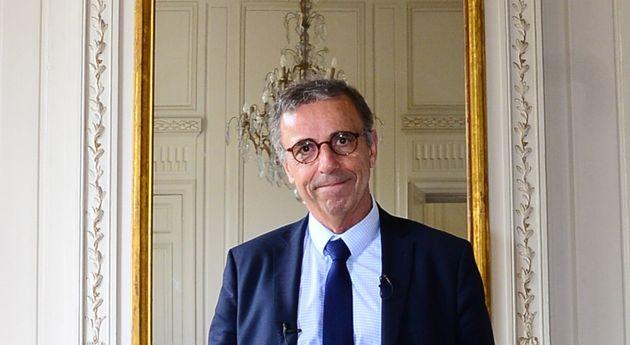 Face à la mobilisation pour un sapin de Noël à Bordeaux, la mairie envisage une consultation (Pierre...