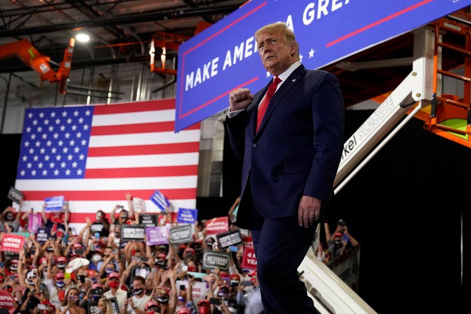 11월 대선에서 재선을 노리고 있는 도널드 트럼프 미국 대통령이 대규모 실내 유세를 벌였다. 헨더슨, 네바다주. 2020년