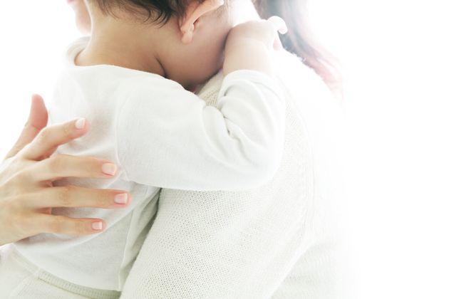 赤ちゃんと母親のイメージ写真