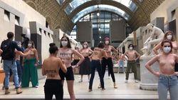 Vietato l'ingresso a visitatrice con vestito scollato: Femen protestano al museo d'Orsay