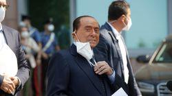 Berlusconi, al recibir el alta tras superar el coronavirus: