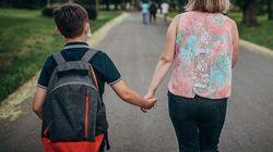 Manca il sostegno, bimbo autistico costretto a tornare a casa da scuola: