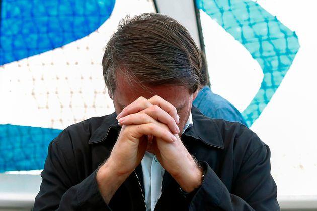 Presidente Jair Bolsonaro ora no início do ano na Catedral Metropolitana de