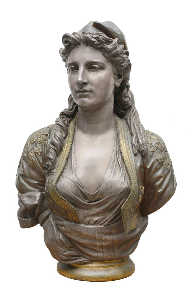Charles-Henri-Joseph Cordier (1827-1905) Ελληνίδα, 1873.  Μπρούντζος επιχρυσωμένος, επαργυρωμένος και επισμαλτωμένος. Yψος 75 εκ., μήκος 45 εκ., διάμετρος βάσης 21 εκ. Συλλογή Θανάση και Μαρίνας Μαρτίνου