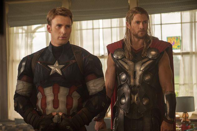 영화 '어벤져스' 시리즈에서 캡틴 아메리카(왼쪽)로 열연한 크리스
