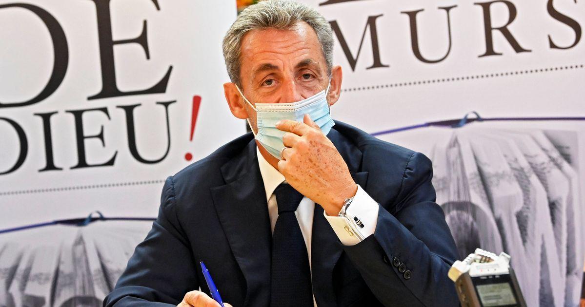 Singes Negres Sarkozy Ne Commentera Pas Une Polemique Indigne Le Huffpost