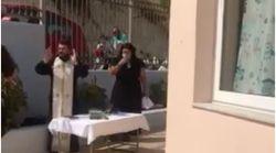Παραλήρημα ιερέα κατά της μάσκας σε νηπιαγωγείο του