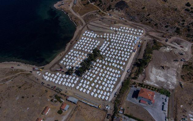 Le nouveau camp de migrants de Lesbos, photographié ici le 14 septembre, n'est pas ouvert à...