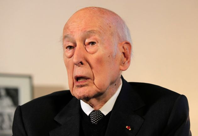 Valéry Giscard d'Estaing lors d'une interview avec l'Associated Press à Paris en janvier...