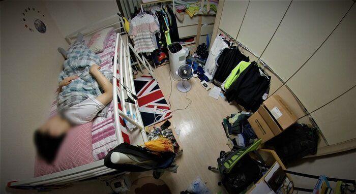 """상반기, 서준(16)에게 집은 """"숨 쉬기 힘든 곳""""이었다."""