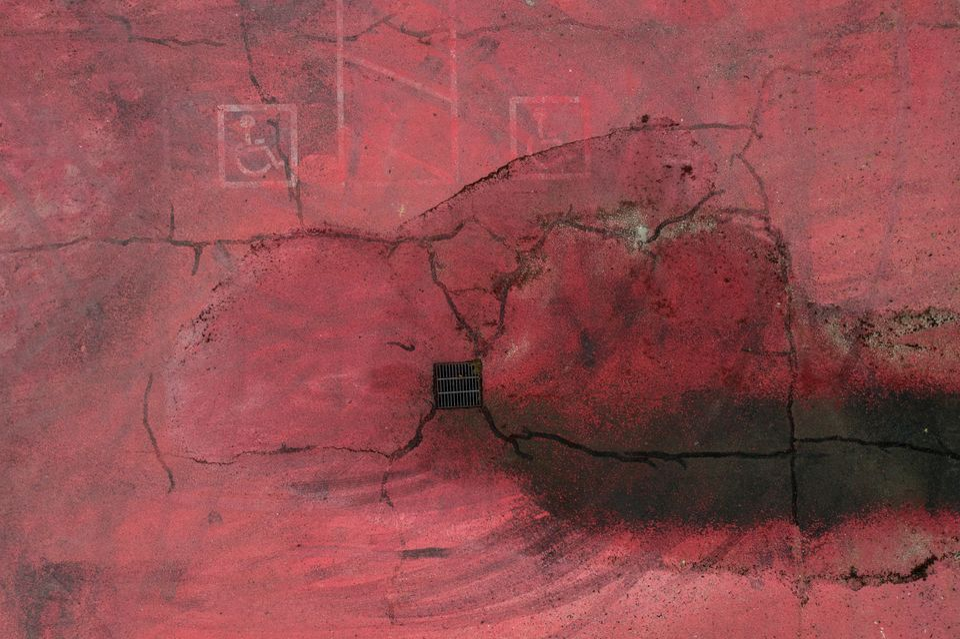 Όρεγκον: Όλα έγιναν ροζ και γκρι σε μια από τις πιο πράσινες πολιτείες που την καταπίνουν οι