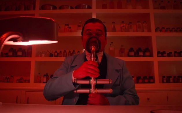 Jon Jon Briones como o Dr. Hanover em