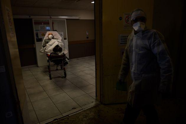 Un patient hospitalisé pour Covid à l'Hôpital de