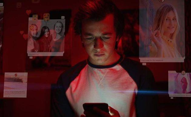 Social Μedia: Η συνεχής παρακολούθηση της ζωής μας με αφορμή το νέο ντοκιμαντέρ του