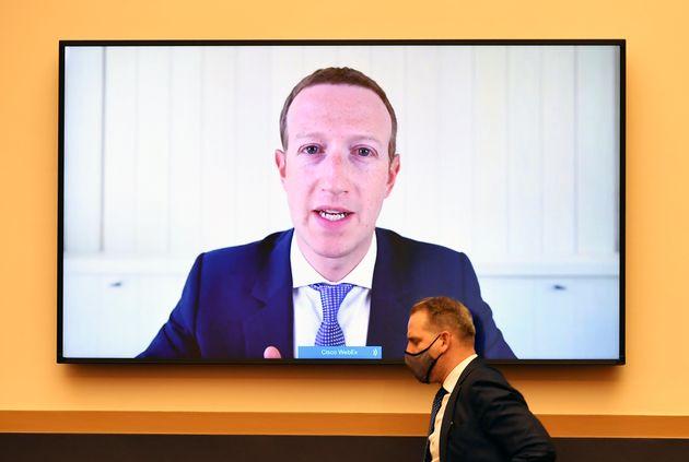 Facebook ed EssilorLuxottica, maxi accordo per gli smart
