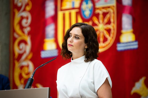 La presidenta de la Comunidad de Madrid, Isabel Díaz Ayuso, durante una reuda de prensa para presentar...