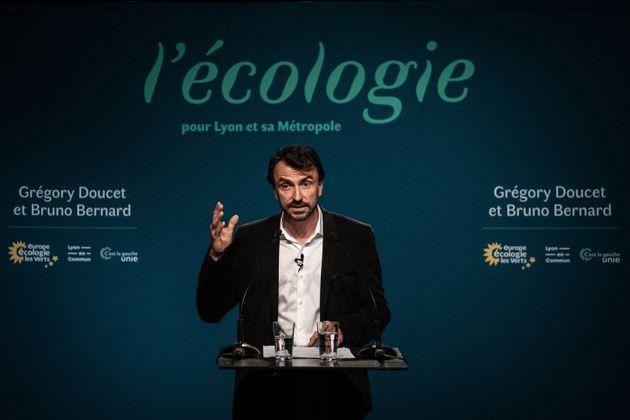 Grégory Doucet, maire EELV de Lyon, photographié le soir de son élection le 28