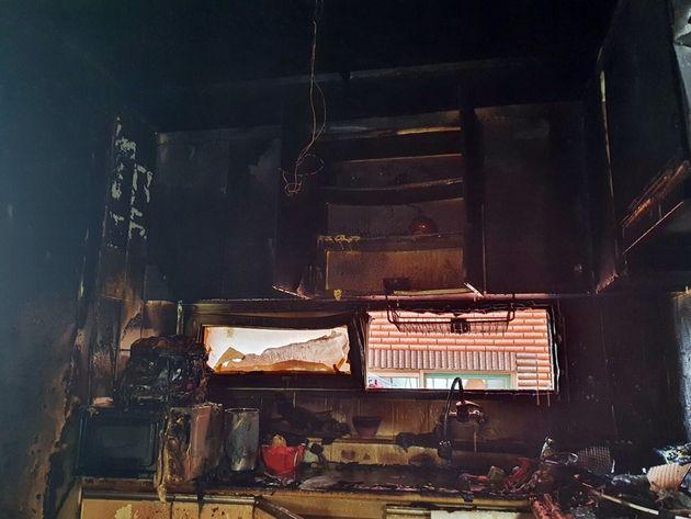 사고는 어머니가 집을 비운 사이 형제가 단둘이 라면을 끓여먹으려다 발생한 것으로