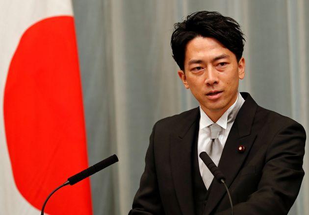 菅政権で環境大臣に再任され、就任会見をする小泉進次郎氏(9月16日撮影)