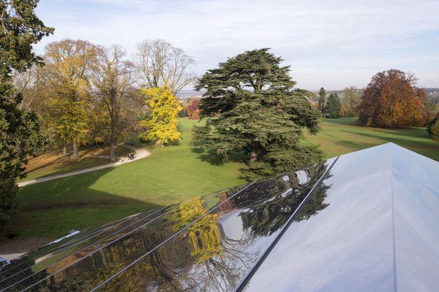 Le parc du château de Rentilly vu d'en
