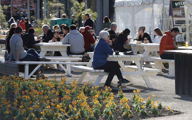 Η Νέα Ζηλανδία τα πήγε καλά με τον κορονοϊό αλλά τώρα έχει μπροστά της τη χειρότερη