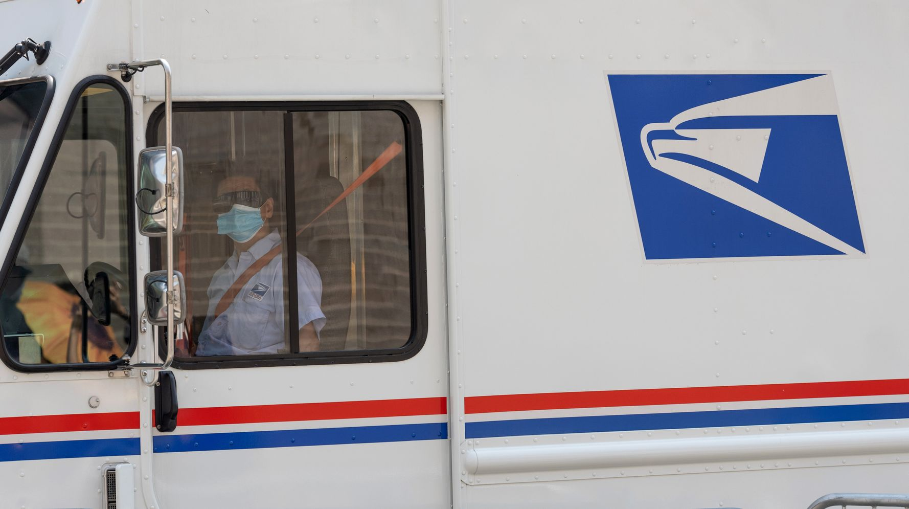 White House Axed USPS Plan To Send 5 Masks To Every American Household: Report