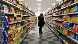 Una popular cadena de supermercados entregará pantallas faciales a los clientes que no usen