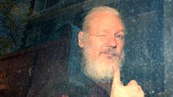 Proposta di Trump ad Assange: la grazia in cambio della fonte dell'hackeraggio