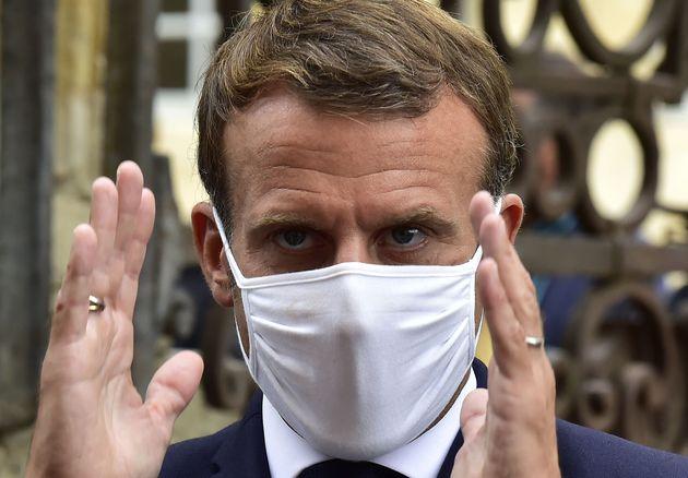 Emmanuel Macron, ici photographié lors de sa visite à Condom dans le Gers vendredi 18 septembre,...