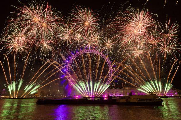 Le feu d'artifice du Nouvel à Londres, le 1er janvier 2018 (Photo by Vickie Flores/Anadolu Agency/Getty