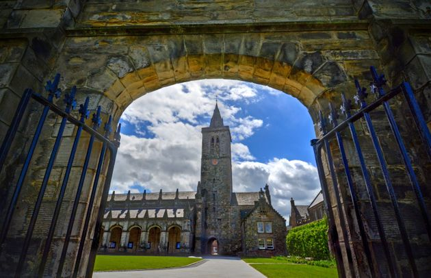 St Andrews University Students Asked To Go Into 'Voluntary Weekend Lockdown'