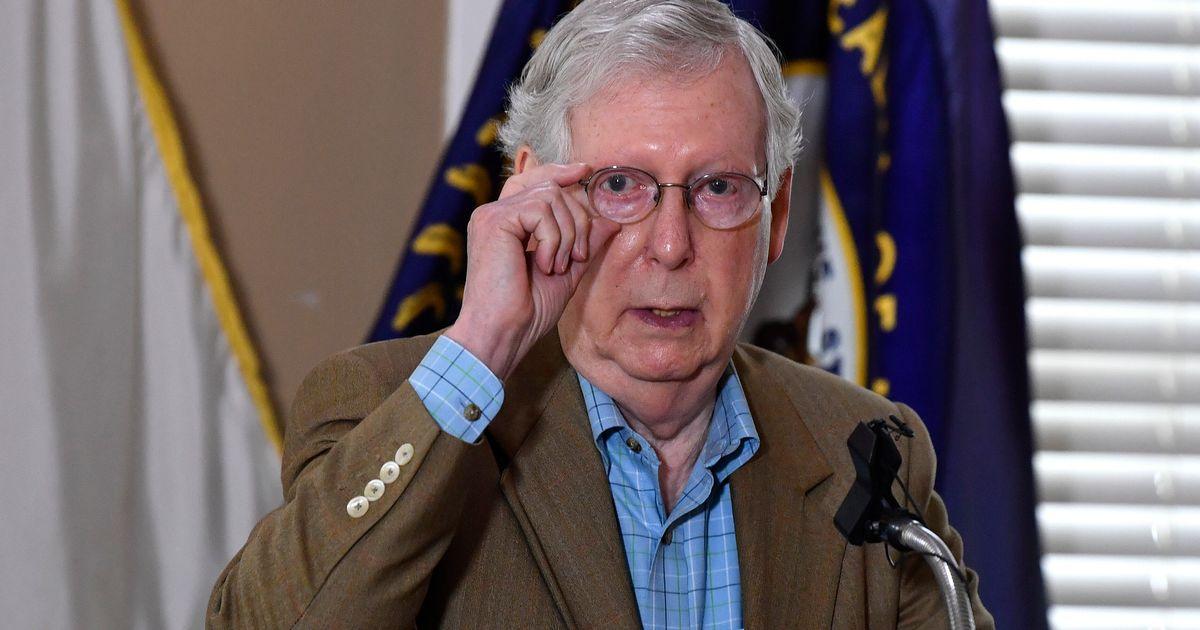 En quatre ans, le chef républicain du Sénat a complètement changé d'avis sur les remplacements à la Cour Suprême