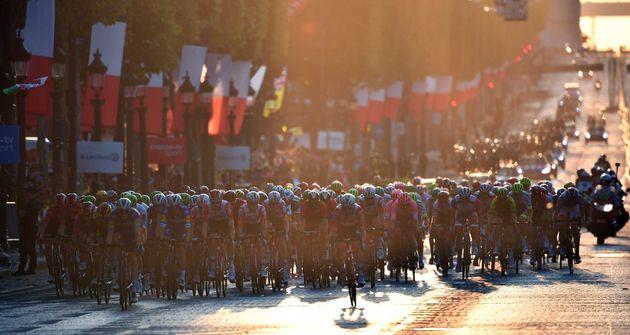 En juillet 2019, les coureurs du Tour de France avaient terminé au sprint sur les Champs-Élysées,...