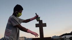 Brasil chega a 136 mil mortes por covid-19, e Bolsonaro diz que País está 'no caminho