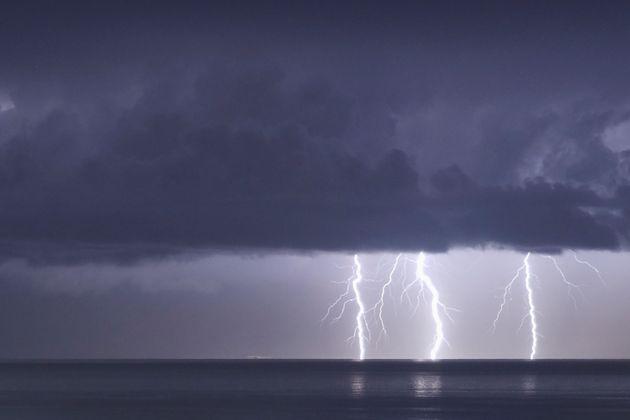 Au lendemain de précipitations dantesques sur le Gard notamment, des orages violents sont attendus...