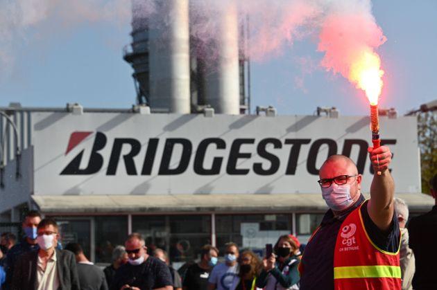 Mercredi 16 septembre, la direction de l'usine Bridgestone de Béthune a annoncé avoir décidé...