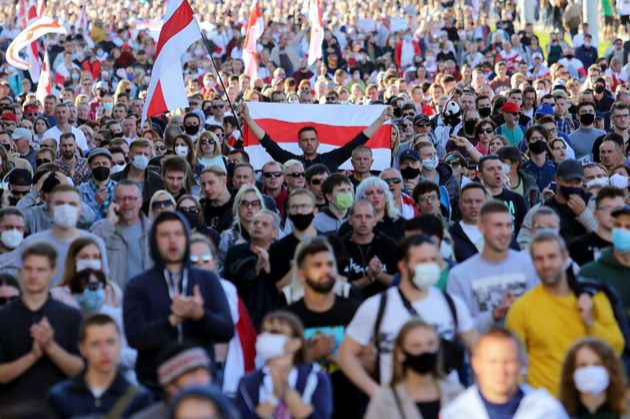 Minsk, la rivolta continua. 100mila in piazza malgrado gli arresti
