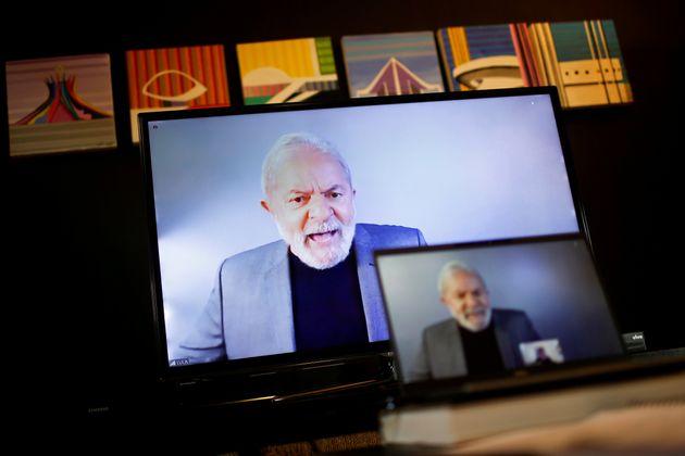 Ex-presidente Luiz Inacio Lula da Silva em entrevista por videoconferência à