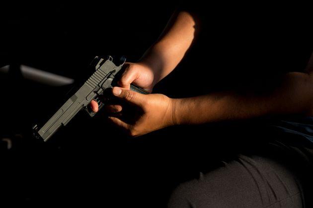 Operaio uccide il figlio di 11 anni con la pistola e si toglie la vita |  tragedia nella notte nel Torinese