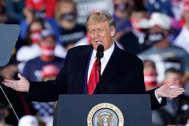 도널드 트럼프 미국 대통령이 선거 유세를 하고 있다. 스완턴, 오하이오주. 2020년