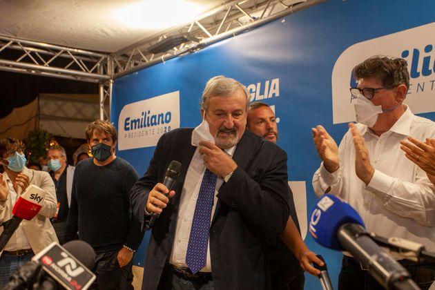 Bari comitato elettorale di Michele Emiliano, il presidente della regione durante la conferenza