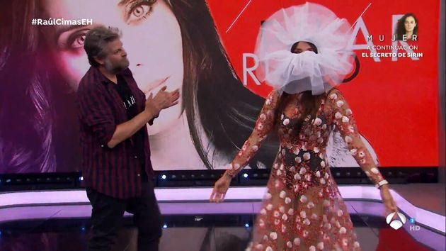 El vestido con la mascarilla que llevó Pilar Rubio a 'El